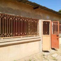 Façade de la maternité séparée de la case de santé de Keur Mor Ndiaye